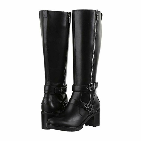 91f2f006de8 UGG Lana Boots in Black